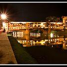 Ponte Vecchio at night by Shaun Whiteman