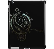 LATTICE LETTER O - shiny water iPad Case/Skin