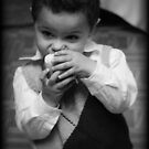 Kyle Loves Apples!  by abfabphoto