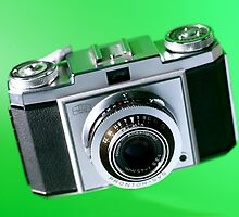 Old School Camera by quebe150