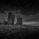 Ruined church (bw) by SaltGeorge