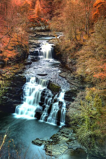 Corra Linn by Roddy Atkinson