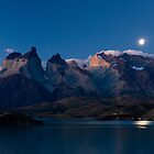 moonrise over Los Quernos by Ivan Ilarionov