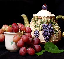 teapot with grapes by Anna D'Accione