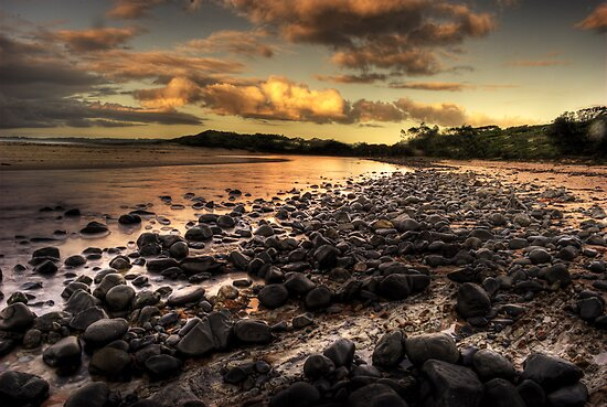 Saltwater beach by Rodney Trenchard