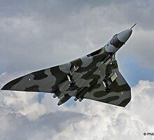 Vulcan XH558 Take Off by PhilEAF92
