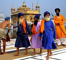 PILGRIMS - GOLDEN TEMPLE by Michael Sheridan