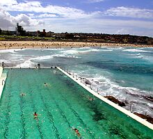 Bondi Beach, Sydney. by John Mitchell