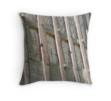 No nails Throw Pillow