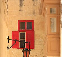 Red window by zumi