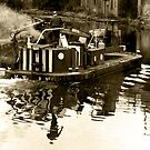Leeds & Liverpool canal  by martinspixs