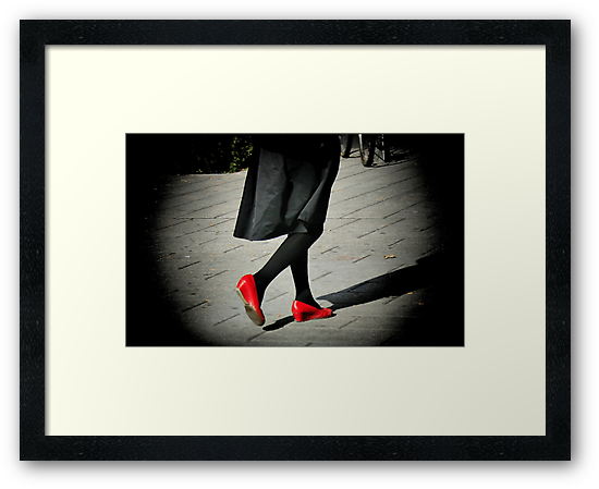 Lady In Red Shoes by terrebo