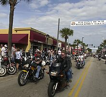 Daytona bike week by Larry  Grayam