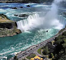 Niagara Fall from the air by terrebo