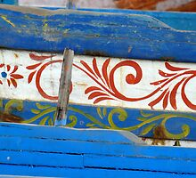 Vecchi legni decorati by Andrea Rapisarda