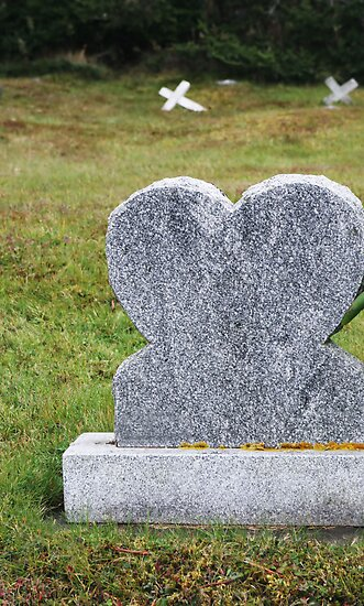 Grave Heart by ginaellen