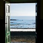 Ocean trough the door by mrfotos