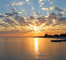 sunrise busselton beach by Carol  Lewsley