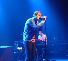 Tom Chaplin singing by jaycee