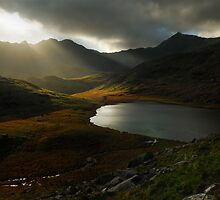 Sunrays, Snowdonia National Park by Thomas Peter