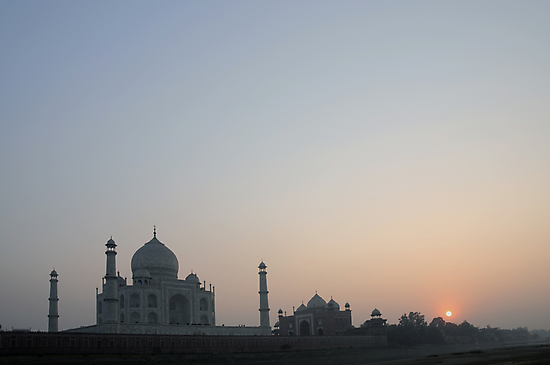 Sunset at Taj Mahal by AravindTeki