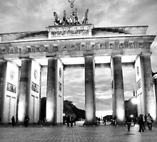 Brandenburger Tor by Eyal Geiger