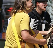Guitar & accordion players, by cascoly