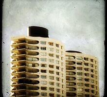 Les Horizons by Marc Loret