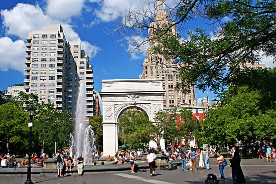 Weekend in Washington Sq., New York by coralZ