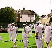 Lawn Bowls by SpencerCopping
