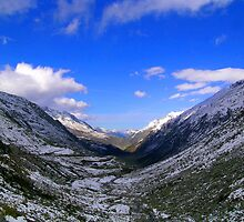 Sankt Gotthard Pass by itchingink