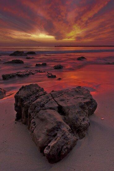Love On The Rocks by derekenz