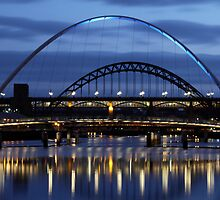 Toon Bridges @ Night by Michael Oubridge