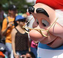 DisneyWorld - Magic Kingdom - Parade by PhilippeGalban