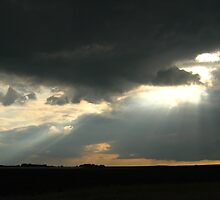 Threatening sky by Ireentje