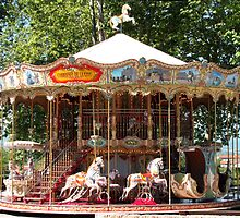 Carrousel de la Cite by jacqi