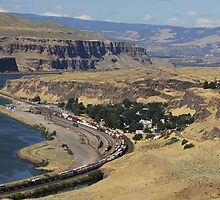 Columbia River Gorge by David Lee Thompson