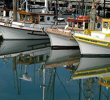 Harbour reflections by karmicimages