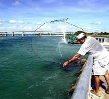 Castnetting at Sebastian Inlet by Larry  Grayam