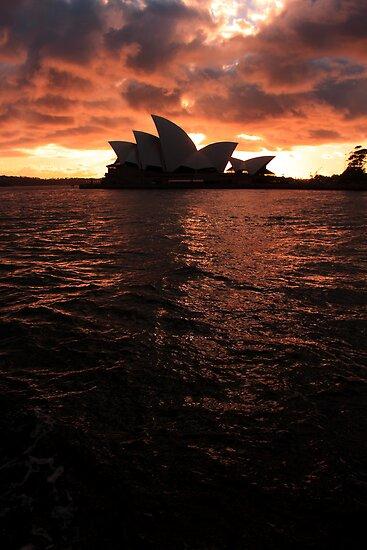 Sunrise Opera House by damienlee