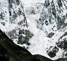 Massive Ice Avalanche by Richard Heath