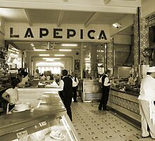 La Pepica Restaurant, Valencia by dlsmith