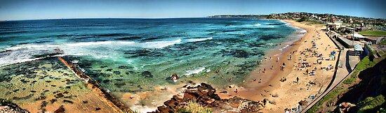 Bar Beach panorama by RedMonkey Photography