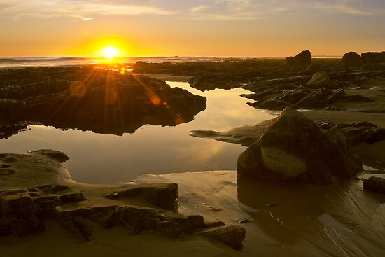 Hendry's Beach by Leroy Laverman