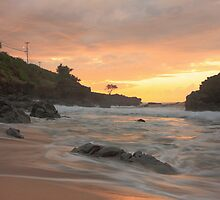 Waimea Bay Sunset by mkdecaprio