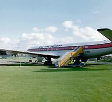 De-Havilland Comet 4 by Edward Denyer