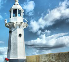 Lighthouse at Mevagissey by Catherine Hamilton-Veal  ©