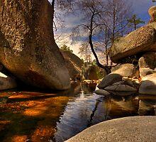 Boulder pond by Aaron  Cromer