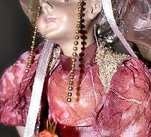 doll face by scarlettheartt