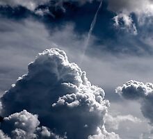Dramatic Clouds by gnubier